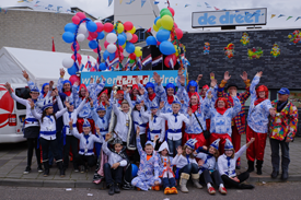 Voorbereiding carnavalsoptocht 2014