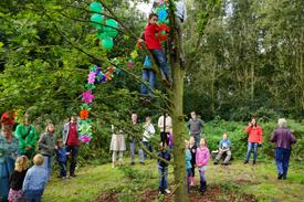 Opening van de klimboom van IVN Geldrop in de Kasteeltuin van Geldrop 2013